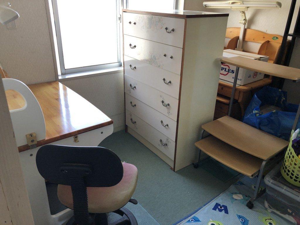 【八代市】遺品整理にあたり、タンスや学習机などの回収