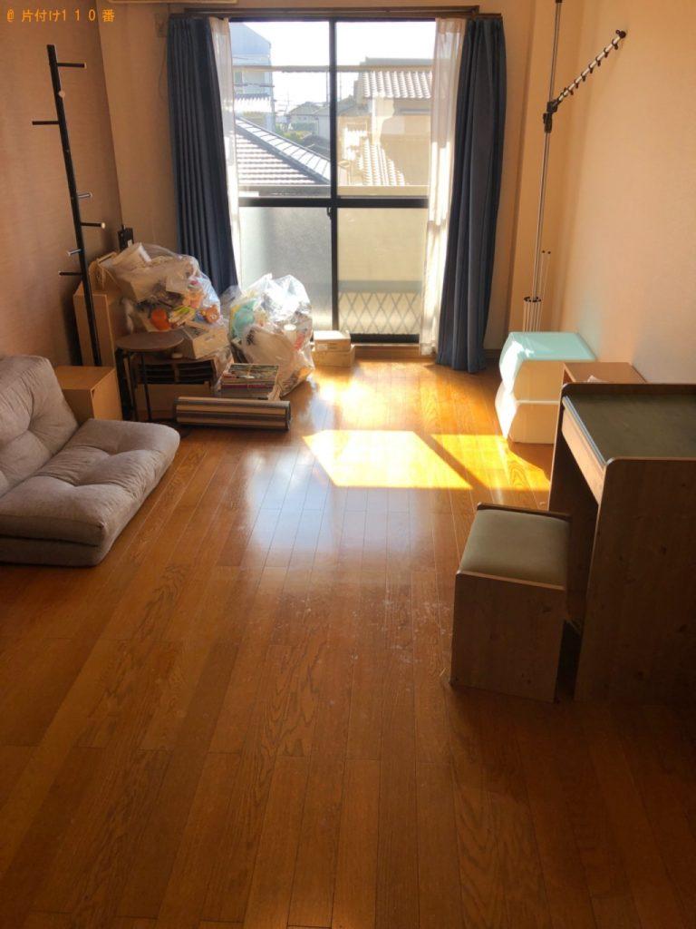 【天草市】遺品整理に伴いソファー、ポールハンガー、椅子、家具、一般ごみ等